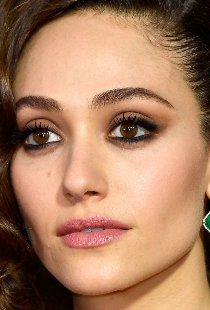 emmy-rossum-close.jpg
